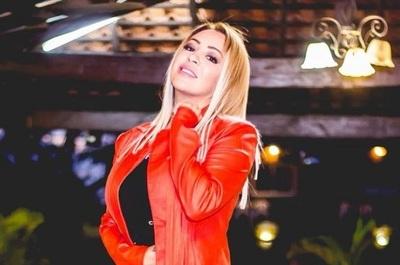 """Laura Brizuela se realizó un """"retoque"""" en el rostro"""