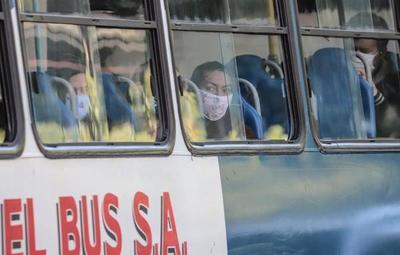 Recuerdan que es obligatorio el uso de mascarillas en el transporte público