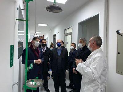 Presidente verificó nuevo laboratorio de bioseguridad del Senacsa