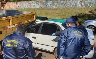 Taxista muere tras embestir violentamente contra carreta de camión
