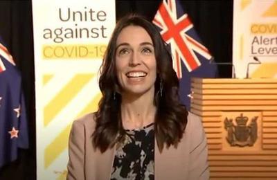 'Es la Mujer Maravilla': Sismo sorprende en vivo a la primera ministra de Nueva Zelanda