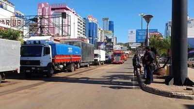 Transportistas se manifiestan en zona primaria de CDE