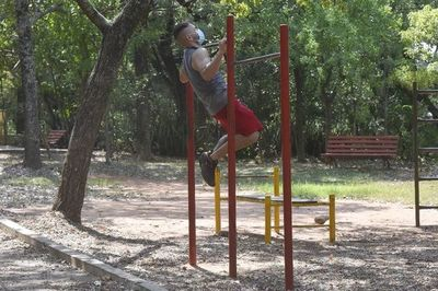 En Asunción, plazas y parques aún no están habilitados