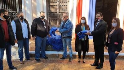 Frazadas azules para pacientes de hospitales de Concepción