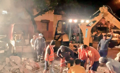 HOY / Realizan reparaciones de caños en el microcentro y vecinos siguen sin agua