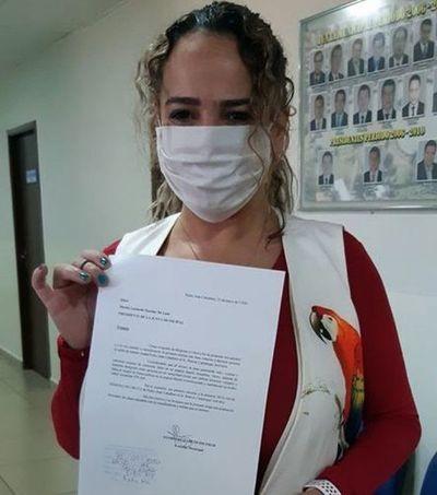 Concejal Gloria Escobar pide declarar persona no grata a polémico 'tembiguai' Ramon Cantaluppi