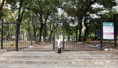 COVID-19: Plazas asuncenas no están habilitadas para actividad física, indican desde la municipalidad