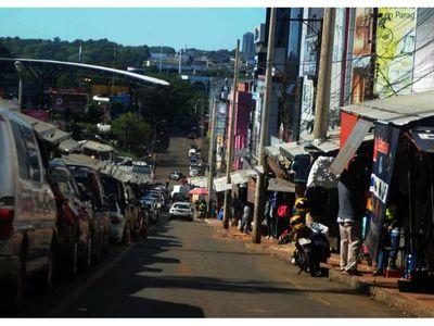 CDE: Tiendas abren puertas mirando al mercado interno