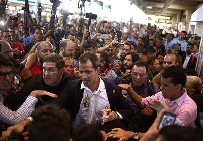 "Fiscalía de Venezuela pide declarar ""organización terrorista"" a partido de Guaidó"