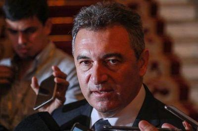 Senado convoca a Villordo por las sobrefacturaciones