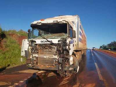 Choque entre camiones deja un herido en Yguazú