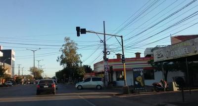 Semáforos dejaron de funcionar en Coronel Oviedo – Prensa 5