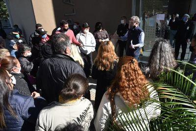 Varados en Paraguay insisten en volver a Argentina