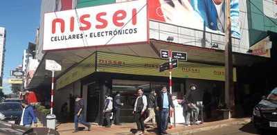 Tímida reactivación comercial en el microcentro de Ciudad del Este