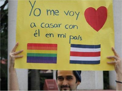 Costa Rica, primer país centroamericano en legalizar matrimonio igualitario