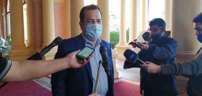 Ministro de Agricultura y Ganadería dijo que no puede interferir en precio de la carne