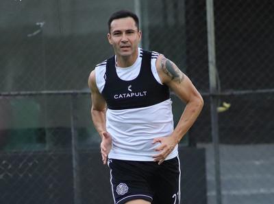 Antolín Alcaraz desea entrenar en Villa Olimpia