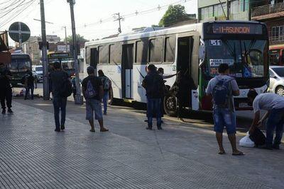 Mario Abdo anuncia que bajará el precio del pasaje del transporte público