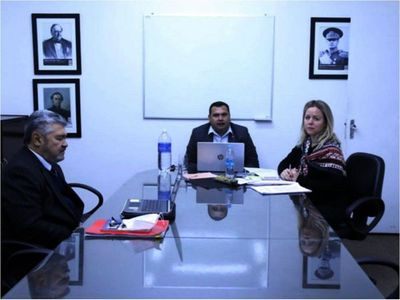 Cartistas y llanistas se apuran para salvar a la fiscala general del juicio