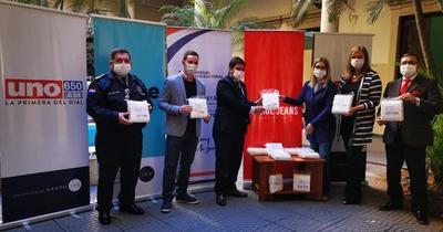 """""""Paraguay de blanco"""" iniciativa del grupo JBB y Patrol Jeans dona 10.000 tapabocas"""