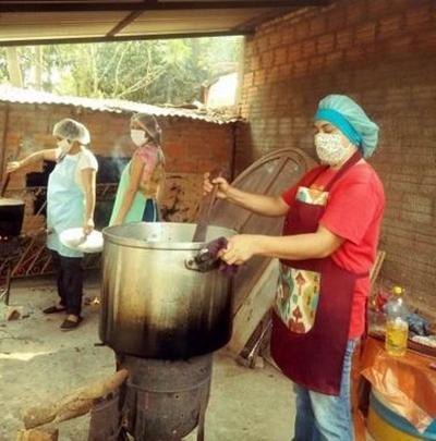 Entregaron un millón de platos de comida a las comunidades más carenciadas – Prensa 5