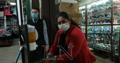 Instan a comerciantes y clientes al uso de tapabocas en el Mercado 4
