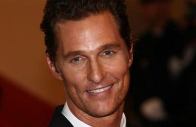 Matthew McConaughey dona 110.000 mascarillas a hospitales rurales de Texas
