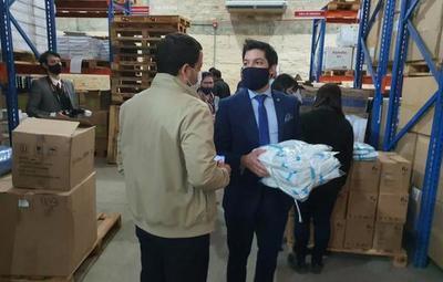 Fiscales incautaron muestras de los insumos chinos rechazados por Salud