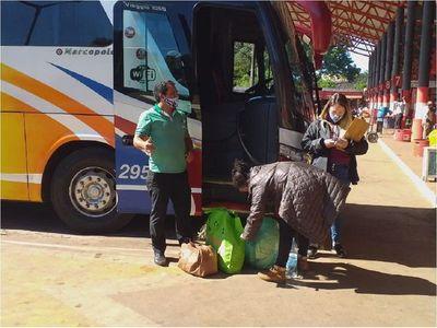Escasa circulación de ómnibus y pasajeros en Terminal de Coronel Oviedo