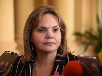 """""""Las fronteras están abiertas para salir"""", aclara Gobierno tras viaje de Lilian Samaniego a Uruguay"""
