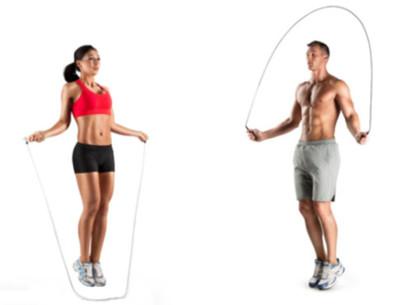 Saltar a la cuerda ejercicio que favorece al sistema cardio y te pone a punto
