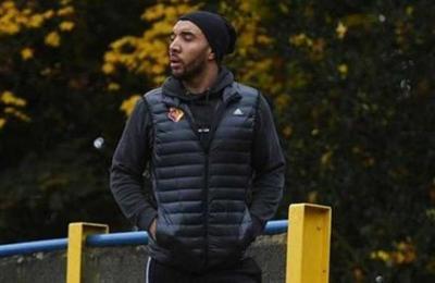 Jugador de la Premier League es amenazado por no querer jugar por temor al Covid-19