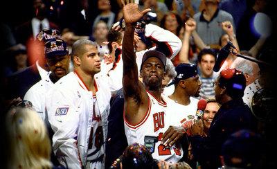 Jordan encabeza la lista de los deportistas más ricos de la historia
