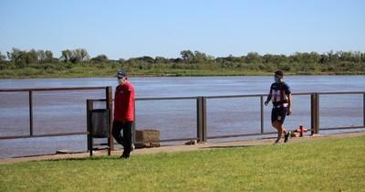 Invitan a caminatas al aire libre a orillas del río
