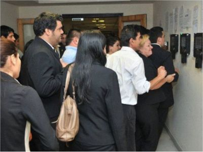Avanza sumario a 22 planilleros y concluye caso de comisionado