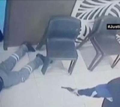 Hieren a trabajador en violento asalto a gasolinera