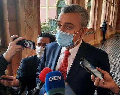 """""""La gestión misional del ministro Mazzoleni no está en tela de juicio ni está en debate"""", afirma Villamayor"""