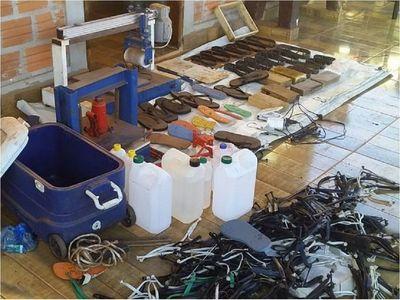 CDE: Desmantelan laboratorio donde rellenaban zapatillas con cocaína