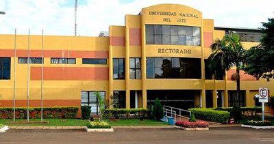 Osvaldo de la Cruz Caballero, nuevo rector de la Universidad Nacional del Este