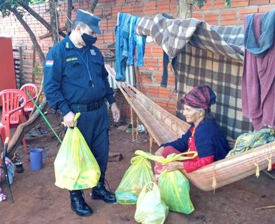 Polis ayudarán a abuelita a tener casa