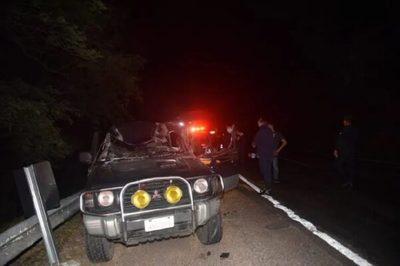 Conductor queda gravemente herido tras chocar contra un camión