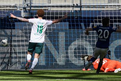 Werder Bremen profundiza la crisis del Schalke 04