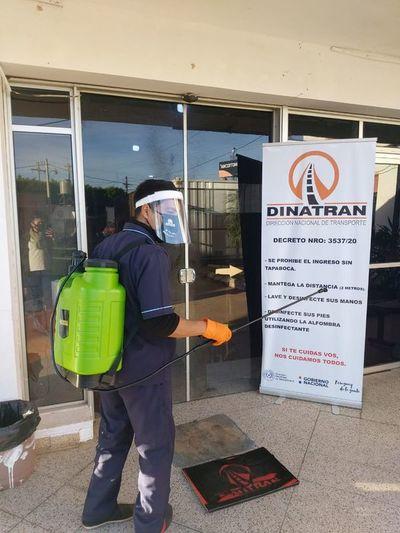 Dos funcionarios de Dinatrán dan positivo sin tener síntomas