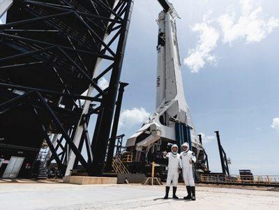 SpaceX, la primera empresa en poner a humanos en el espacio