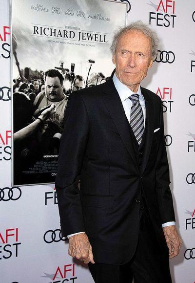 Clint Eastwood cumple 90 años, sin planes de retiro