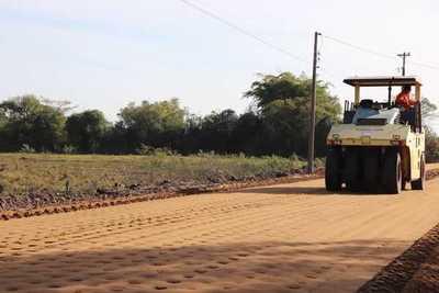 Avanza la rehabilitación y pavimentación asfáltica del tramo Pilar – General Díaz