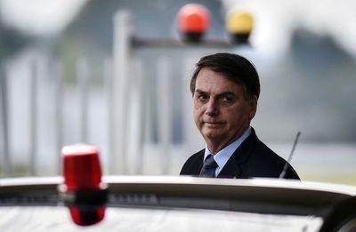 Bolsonaro quiere la reanudación del fútbol