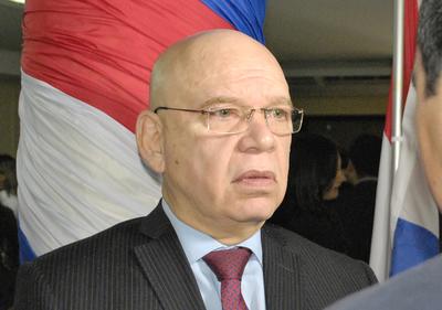 Ministro explica que los solicitantes de refugio tienen los mismos derechos que los ya refugiados en el país