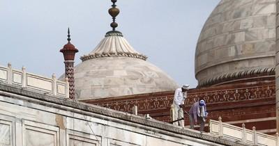 Fuertes tormentas en India causan muertes y dañan al Taj Mahal