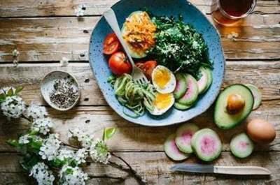 ¿Tendrás que cocinar en casa? Estos canales de YouTube serán tu salvación